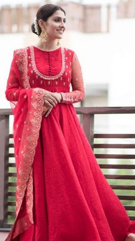 AIZA KHAN PISHWAS ENSEMBLE PRET by Faiza Saqlain - chambeili Bridal