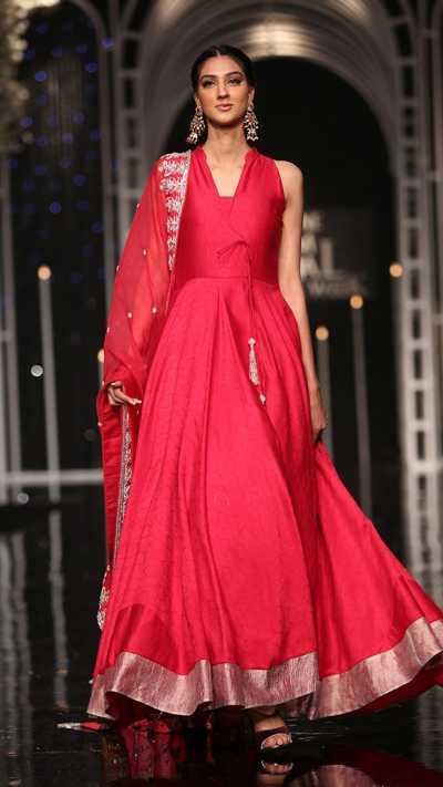 SHEHNAI SHAGGAN FORMAL #PanteneHumBridalCoutureWeek - chambeili Bridal